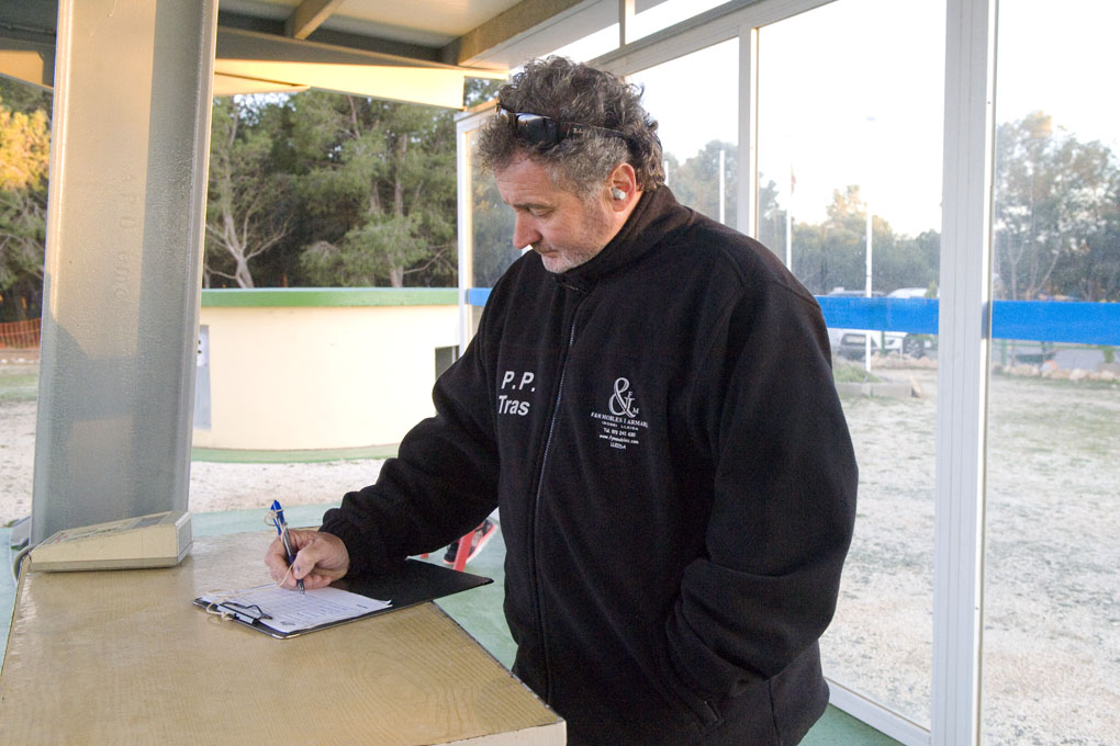 CLUB DE TIRO AL PLATO MONZON ARBITRANDO EN LA PRIMERA TIRADA DE PRIMAVERA